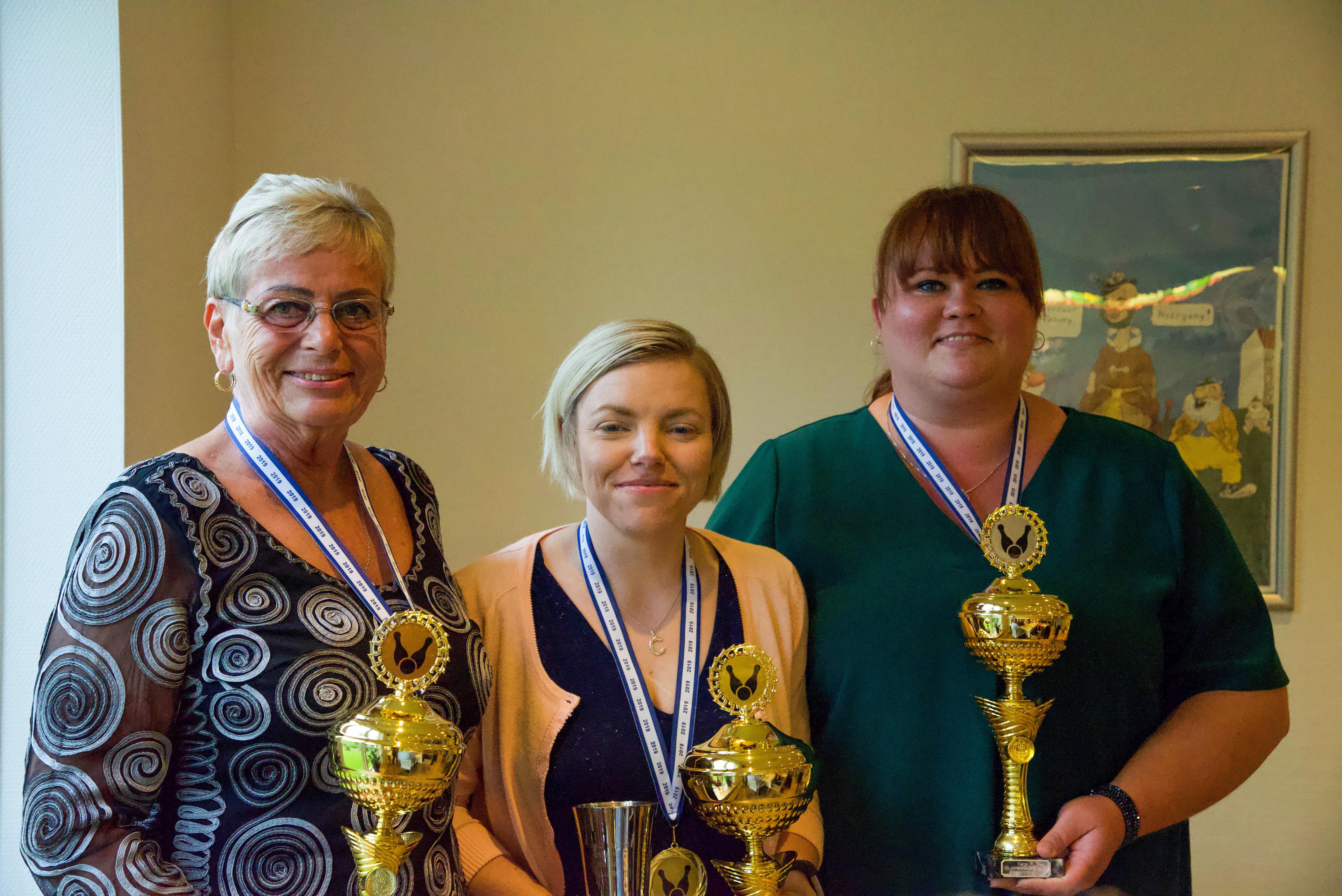 Klubmester. Guld til Christel Overgaard, sølv til Ann L. Hansen, bronze til Birgit Thomassen.